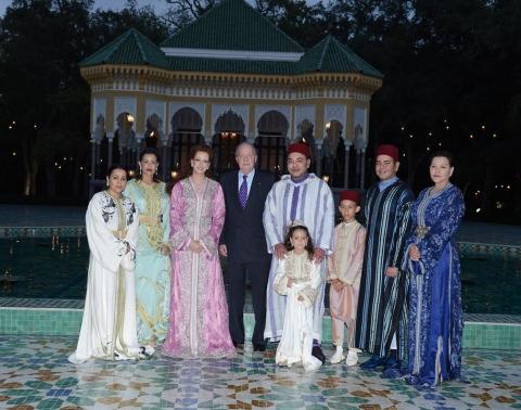 Juan carlos chez la famille royale maroc juil 2013