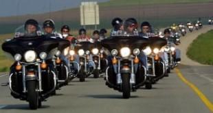 Autoroute Fructueuse contre-attaque des motards
