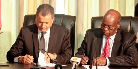 Boubker Ja DG AWB et Adji Oteth Ayassor ministre des Finances du Togo