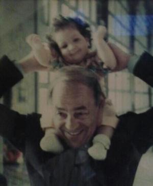 lalla soukana petite fille avec son grand pere sm hassanii - Mariage Lalla Soukaina