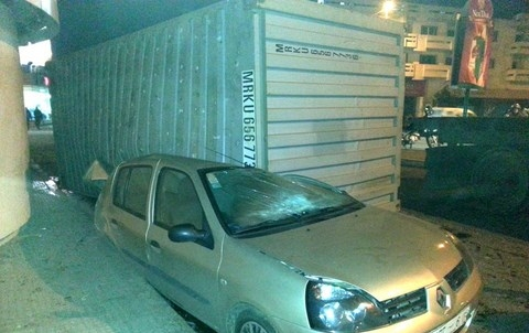 Camions Transportant Conteneurs