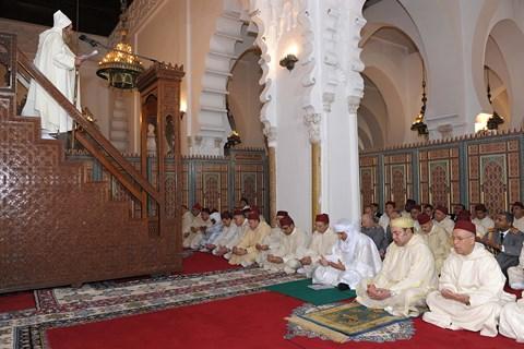 Priere du vendredi roi du maroc et chef mnla marrakech fevrier 2014