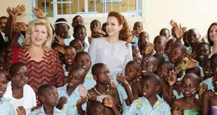 Deux premières Dames et les enfants ivoiriens