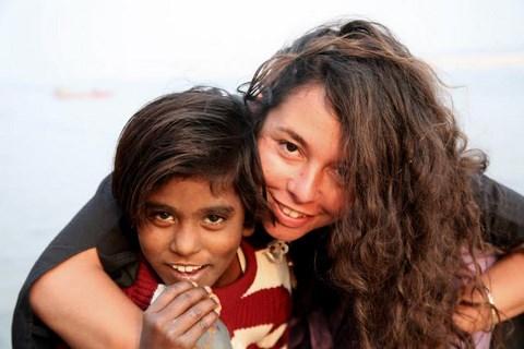 Leila ghandi avec enfant