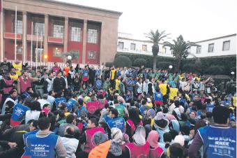 Diplomes chomeurs manif devant parlement maroc