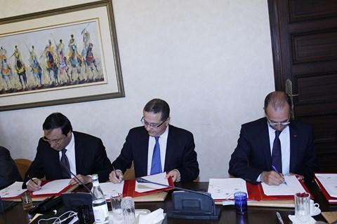 Signature contrat programme etat onee mai 2014
