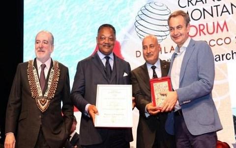 Prix remis au forum crans montana dakhla mars 2015