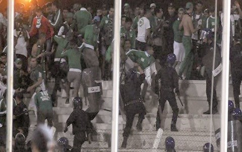 Foot raja contre setif bastonnade du raja algerie mai 2015