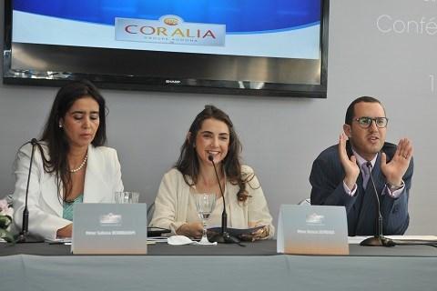 Kenza Sefrioui au centre avec Seloua Benbrahim et Saad Sefrioui Ph.DR