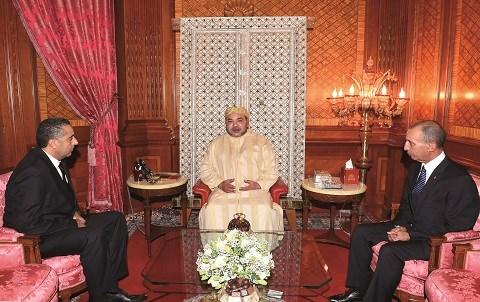 Roi mohammedVI recoit hammouchi et hassad mai 2015