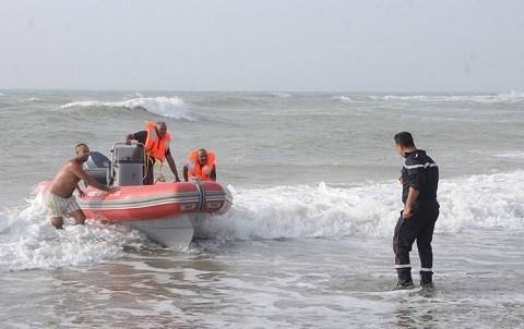 Une equipe de sauvetage enfants noyes oued cherrat juin 2015