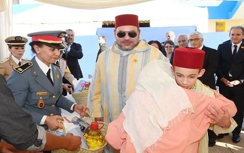 Le roi et le prince heritier distribuent soutien alimentaire pour ramadan 2015