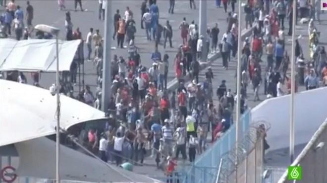 Maroc : Ferme mise en garde, après l'assaut de 800 immigrés clandestins