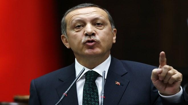 Tablettes et ordis: l'interdiction humiliante dénoncée par Erdogan