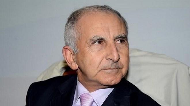 Tajeddine Housseini, Professeur, relations internationales