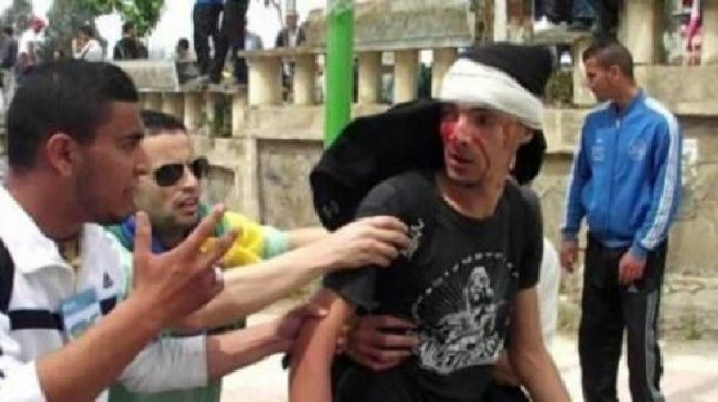 Les Algériens toujours sous la chape de plomb