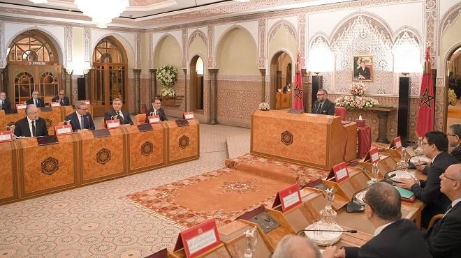Conseil des ministres Femmes Adouls, Forces Auxiliaires et Affaires étrangères au menu