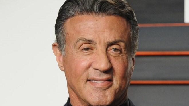 Sylvester Stallone dément sa mort