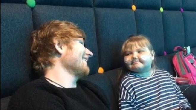 Ed Sheeran offre un don de 50.000 dollars à une petite fille