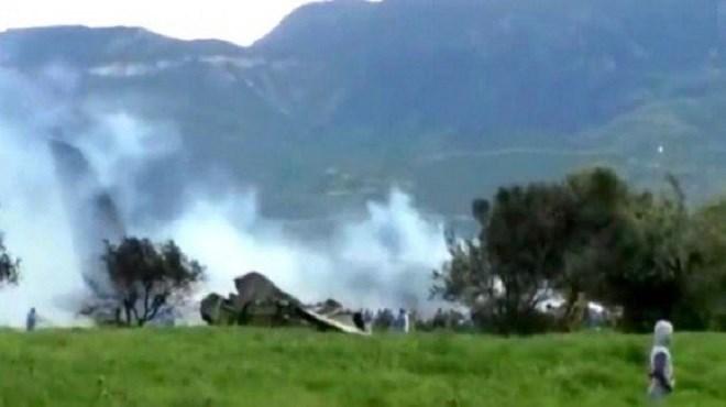 Algérie : Un avion de l'armée de l'air algérienne s'écrase près d'Alger