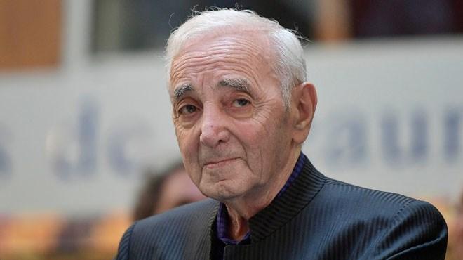 Charles Aznavour hospitalisé !