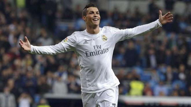 Real Madrid : Ronaldo sème le doute sur son avenir