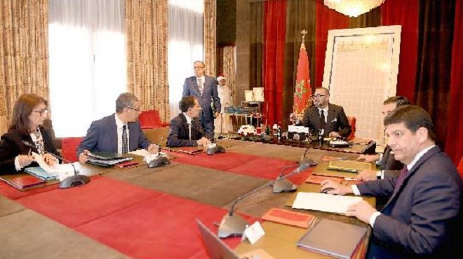 Energies renouvelables : Le Roi s'enquiert de l'avancement des projets portés par Masen