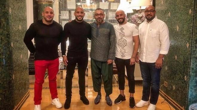 En photos, le Roi Mohammed VI avec les frères Azaitar