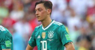 Football : La  fédération allemande rejette les accusations de racisme du jouer Özil