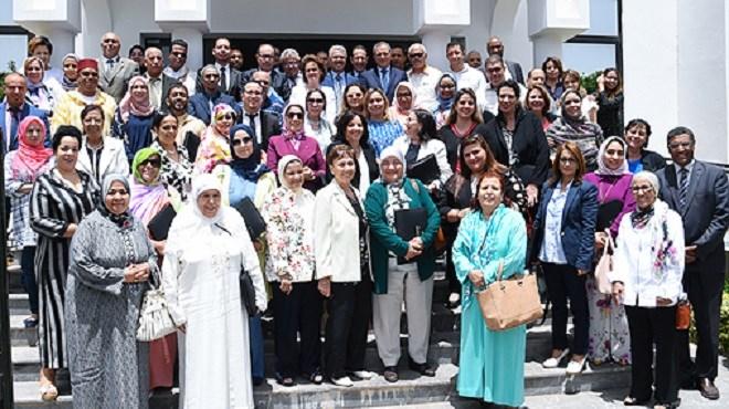 Ligue Marocaine pour la Protection de l'Enfance : La Princesse Lalla Zineb préside une réunion de l'AGO