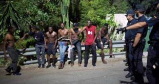Espagne : arrestation de 10 migrants entrés de force à Ceuta