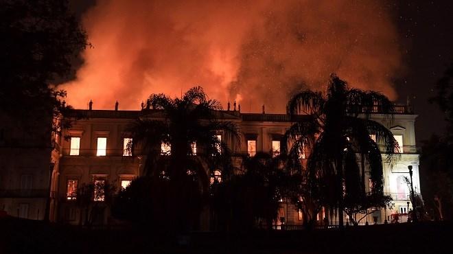 Terrible incendie au célèbre musée brésilien Rio De Janeiro
