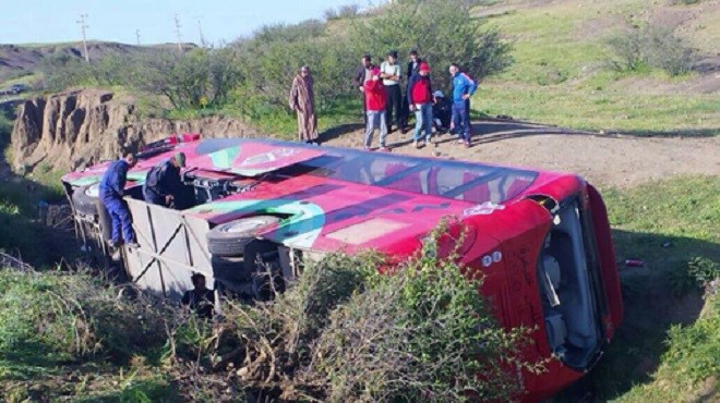 54 blessés suite au reversement d'un autocar près de Béni Mellal