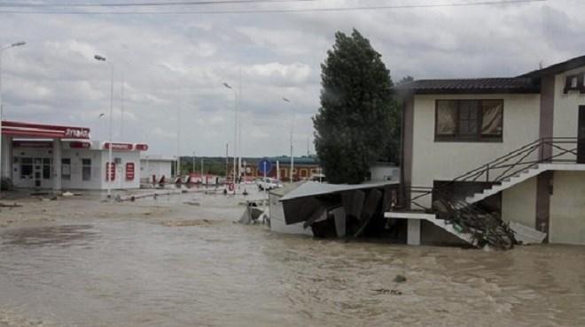 Six morts dans de violentes inondations au sud de la Russie