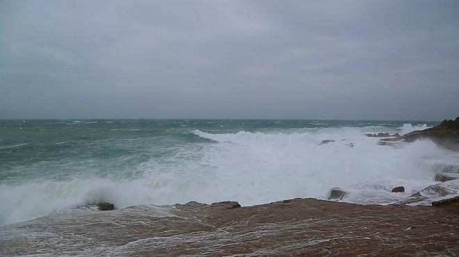 Alerte météo : Forte pluies et vagues géantes au Maroc