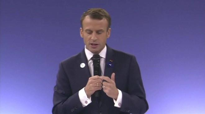 Paris abrite le 1er Forum sur la paix