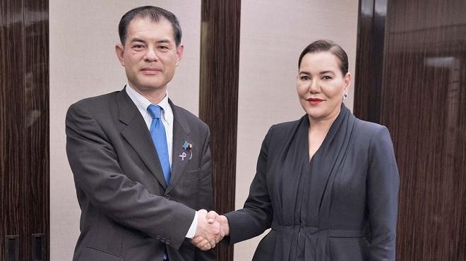 Tokyo : la Princesse Lalla Hasnaa reçoit le ministre japonais de l'Éducation