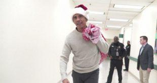 Barack Obama devient le Père Noël