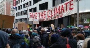 Des milliers de manifestants dans les rues de Bruxelles pour le climat