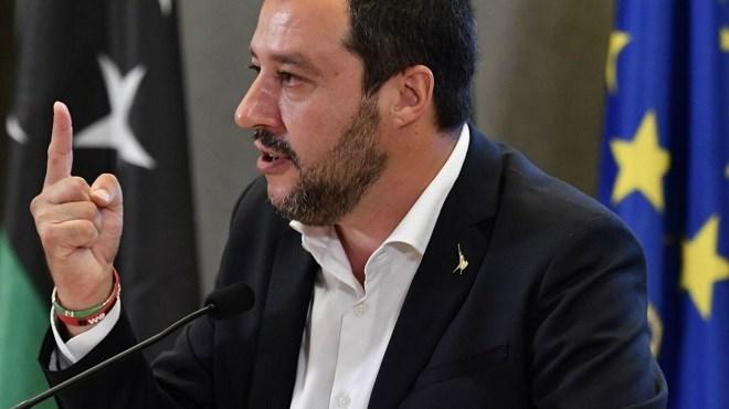 Solidarité à l'italienne : Salvini gilet jaune