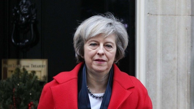 Londres : Theresa May remporte le vote de défiance par 200 voix contre 117