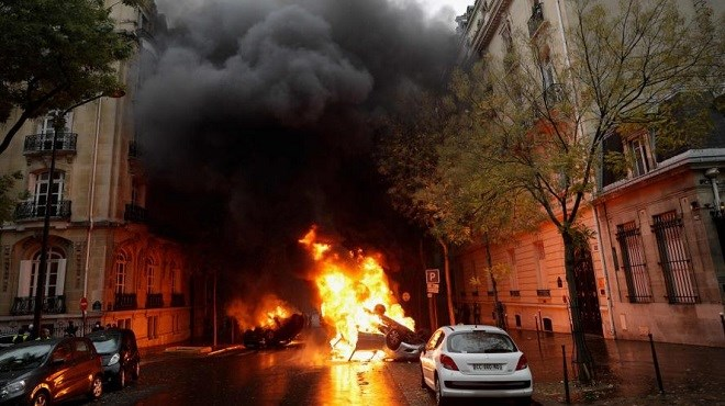Gilets jaunes : Scènes de chaos à Paris
