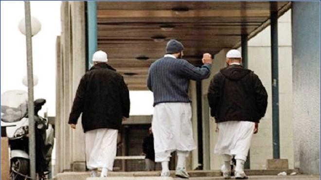 Signes religieux ostentatoires : Le débat reste ouvert