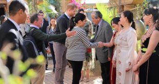 PHOTOS – Le Prince Harry et la princesse Meghan Markle savourent la cuisine marocaine