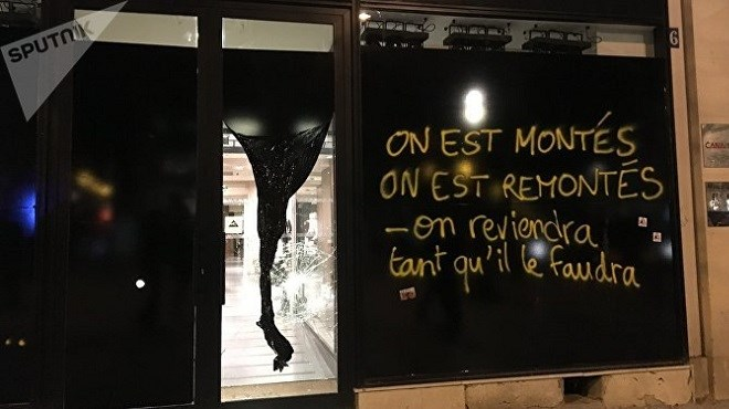 Paris : Week-end noir… (Photos)