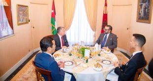 Le Roi Mohammed VI offre un déjeuner en l'honneur du Roi Abdallah II