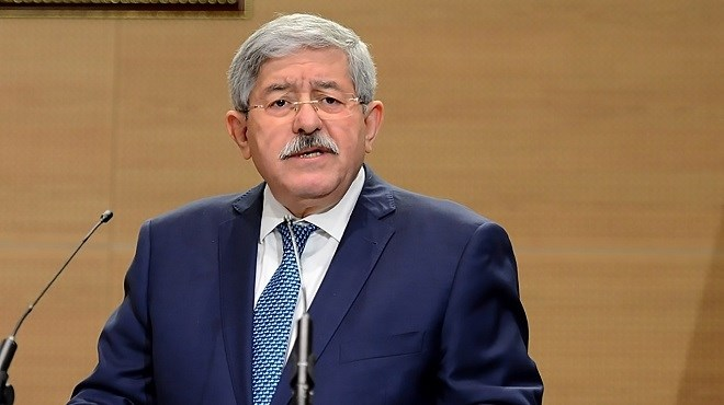 L'ancien Premier ministre algérien Ahmed Ouyahia incarcéré