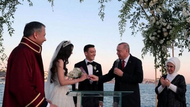 Tayyip Erdogan, témoin du mariage des deux stars Amine Gulse et Mesut Özil