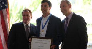 La NASA attribue la Médaille du service exceptionnel à Kamal Oudrhiri
