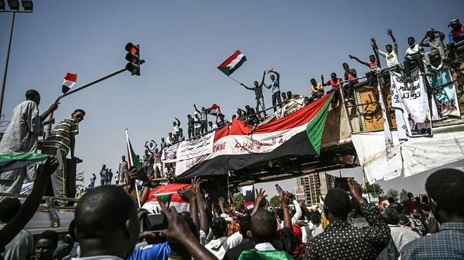 Soudan : Les manifestants obligent l'armée à renverser Omar Al Bachir